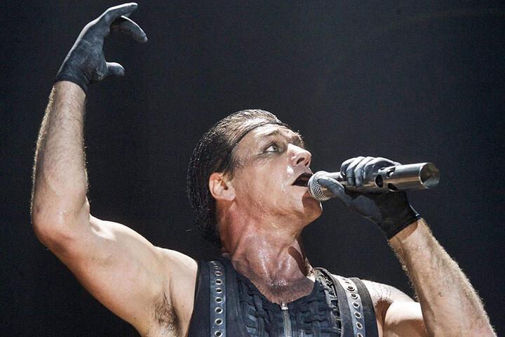 Thomalla hat eine Schwäche für harte Jungs: Till Lindemann, Frontmann von Rammstein, ist einer von ihnen.