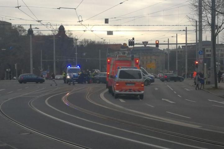 Wer hat den Unfall beobachtet und kann der Polizei hinweise geben?