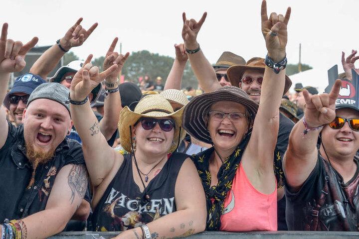 Heavy-Metal-Fans aus aller Welt sind nach Wacken gekommen.