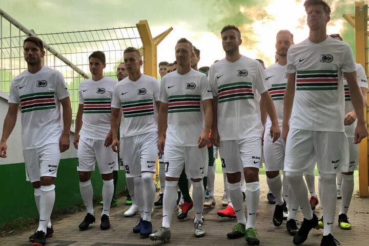 Nach dem ersten Sieg in der Regionalliga will die BSG Chemie auch bei Eintracht Frankfurt gewinnen.