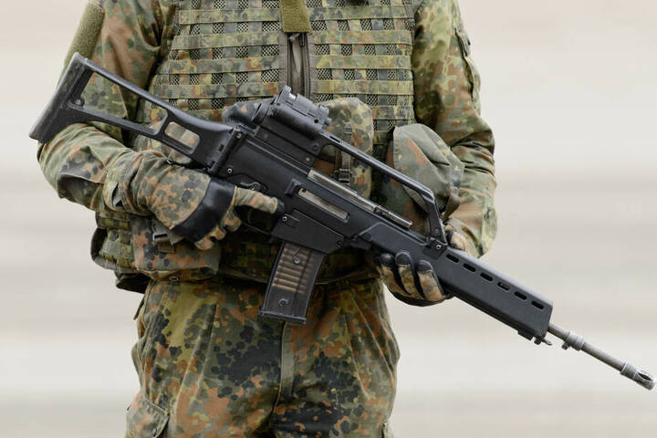 Munition für ein Sturmgewehr G36 fanden die Polizisten in der Wohnung.