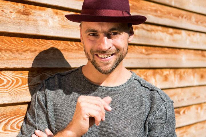 Zusammen mit seiner Frau und seinen vier Kindern, lebt Max Mutzke im Schwarzwald.