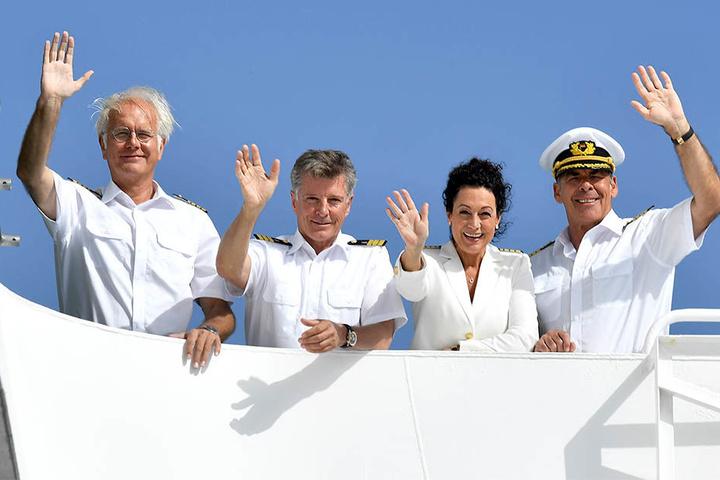 """Sascha Hehn (alias Kapitän Viktor Burger, rechts) ist nicht mehr beim """"Traumschiff"""" zu sehen. Neue Folgen werden jedoch auch ohne ihn gedreht."""