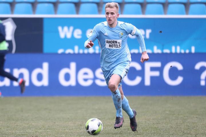Alexander Dartsch will trotz des Abstiegs weiter für den CFC spielen.
