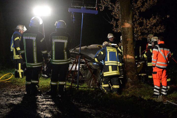 Etwa 40 Einsatzkräfte der Feuerwehr waren vor Ort.
