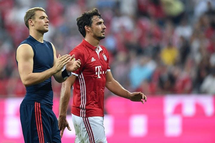 Manuel Neuer lässt seinen Vereinskollegen Mats Hummels in der Gunst der Frauen weit hinter sich.