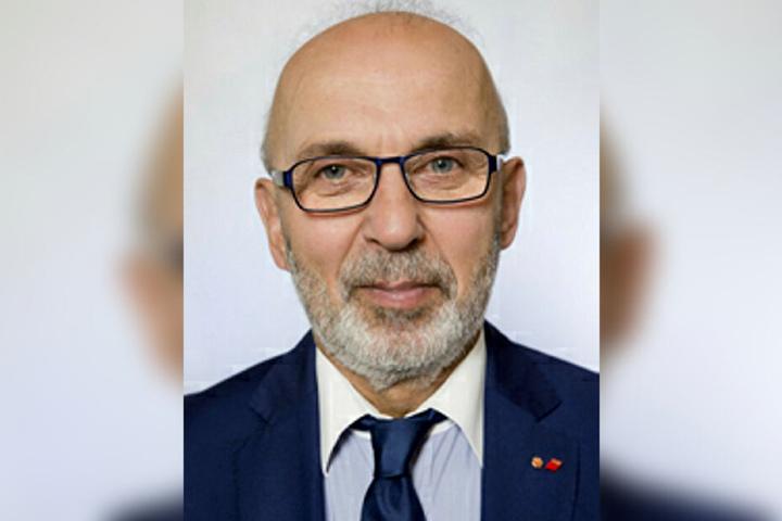 """""""Aktuell legen viele Chefs ihren Mitarbeitern neue Arbeitsverträge zu deutlich schlechteren Konditionen vor. Die sollte keiner unterschreiben"""", warnt Bernd Günther, Bezirksvorsitzender der IG BAU Nord-West-Sachsen."""