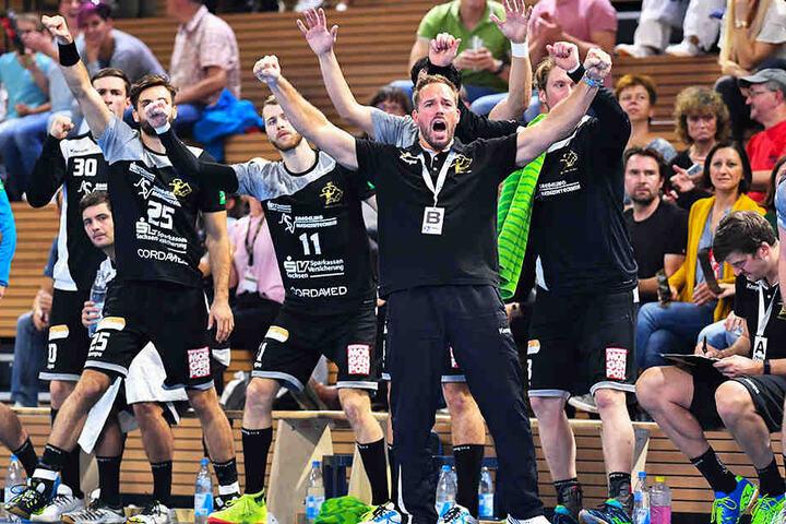 Will auch in Wilhelmshaven wieder jubeln: HCE-Coach Christian Pöhler.