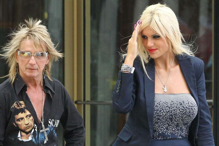 Bert Wollersheim mit seiner Ex-Frau Sophia Vegas, deren Namen er immer noch auf dem Rücken trägt.