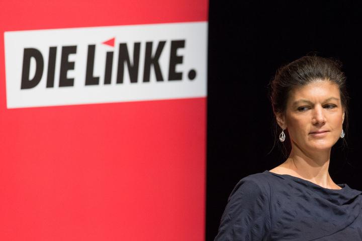 Bundestagsfraktionschefin Sahra Wagenknecht von der Partei Die Linke sprach in der Stadthalle in Gütersloh bei der Landesvertreterkonferenz. Die Linke NRW beschloss ihre Kandidatenliste zur Bundestagswahl.