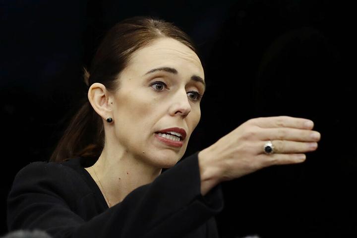 Neuseelands Premierministerin Jacinda Ardern (38) kündigt rasche Konsequenzen an.