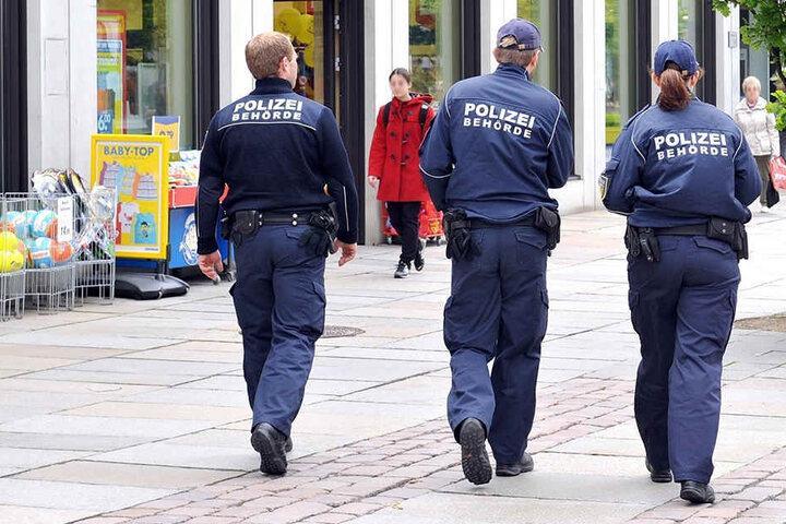 Die Polizeistreifen in den Stadtteilen sollen erhöht werden. (Archivbild)