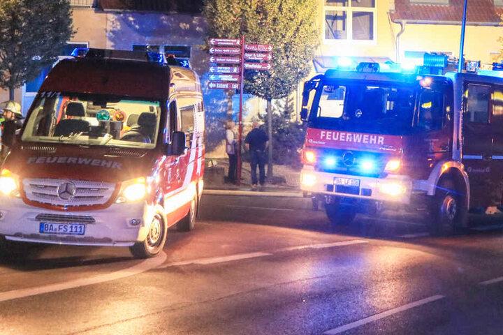 Ein Autofahrer hat einen Feuerwehrmann in Stegaurach in Bayern mit seinem Auto angefahren und verletzt.