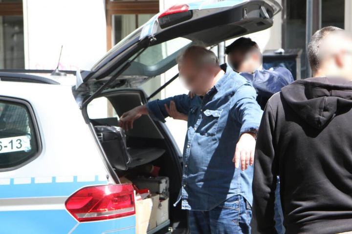 Beamte der Berliner Polizei nahmen den mutmaßlichen Täter schließlich fest.