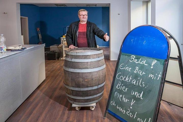 Tischlermeister Ulrich Nabel (54) will mit einer Bar auf dem Brühl  durchstarten.