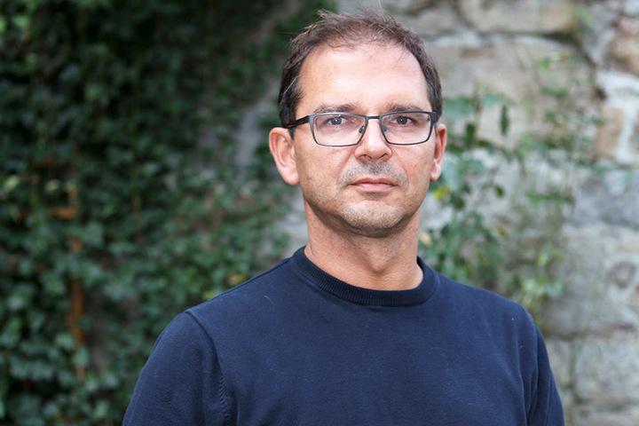 Schirgiswaldes Bürgermeister Sven Gabriel (41, FDP) hat die beiden beschuldigten Erzieherinnen suspendiert.