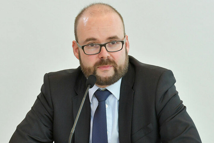 Christian Piwarz (42, CDU)