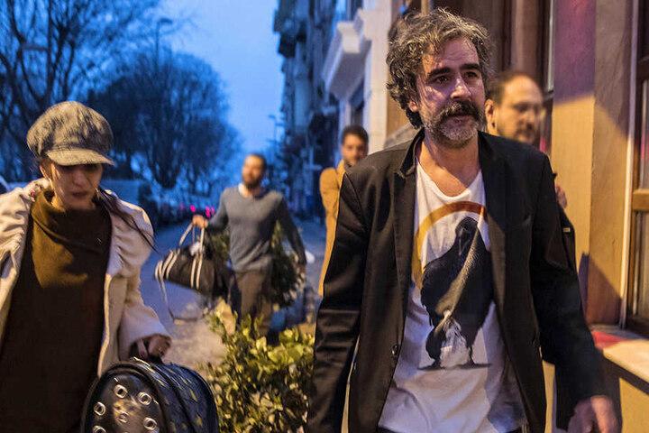 Der deutsch-türkische Journalist Deniz Yücel und seine Frau Dilek nach Yücels Freilassung aus dem Gefängnis.