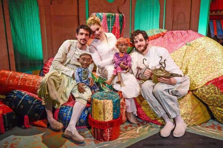 """Im Figurentheater erlebet """"Aladin"""" spannende Abenteuer."""