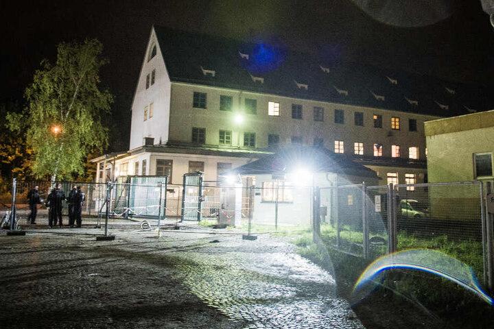 Vor dem Ankerzentrum in Deggendorf ist ein Streit unter rund 30 Personen eskaliert. Nun sitzen zwei Männern im Gefängnis.