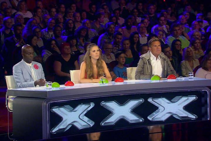 Bruce Darnell, Victoria Swarovski und Dieter Bohlen (von links) ließen den singenden Koch in die nächste Runde.