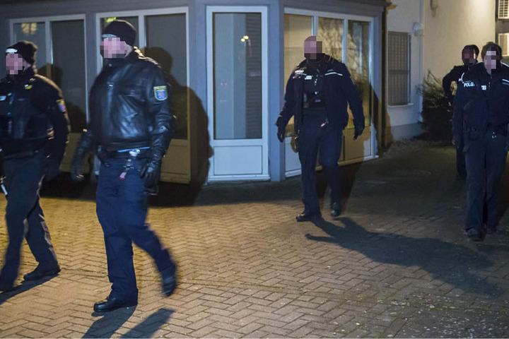 Zahlreiche Polizeibeamte waren vor Ort.