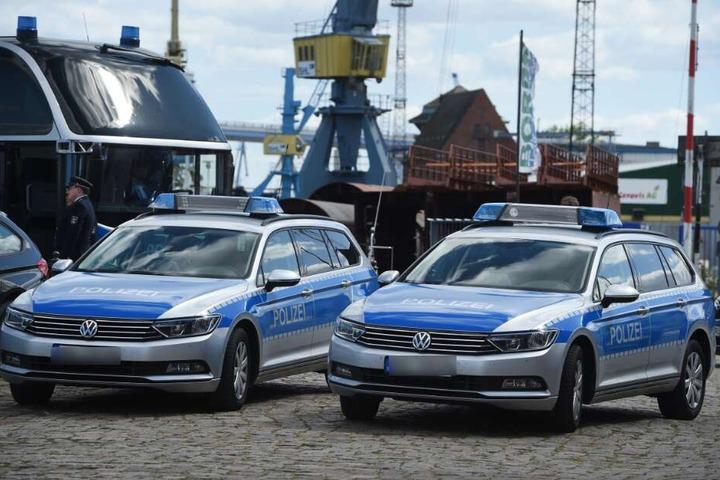 Der Hafen musste vorerst abgesperrt werden. (Symbolbild)