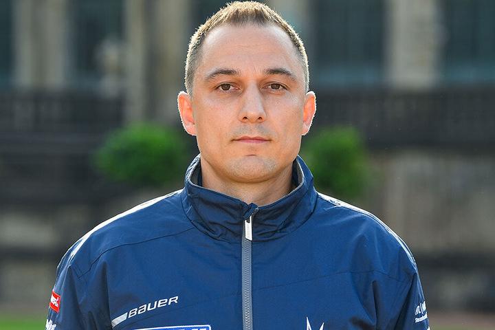Eislöwen-Geschäftsführer Thomas Barth freut sich über den Transfer von Toni Ritter.