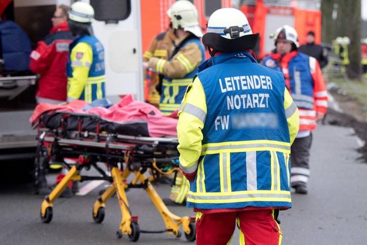 Die Töchter wurden mit einem Rettungswagen ins Krankenhaus transportiert. (Symbolbild)