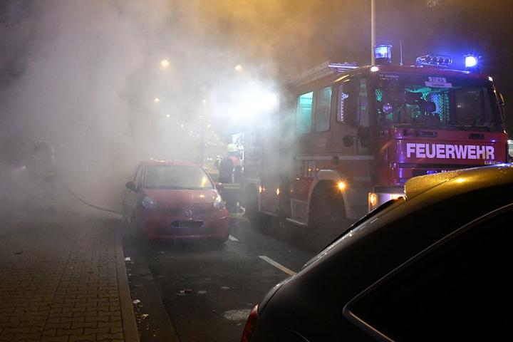 Zahlreiche Kräfte von Polizei und Feuerwehr waren im Einsatz.