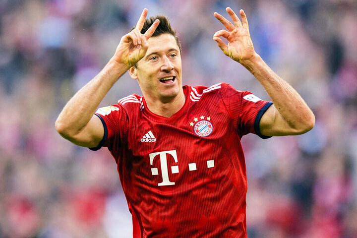2:0! Robert Lewandowski zeigte das Ergebnis an. Doch die Geste kann auch für sein 20. Saisontor in der Bundesliga oder sein 200. Bundesliga-Tor insgesamt stehen.