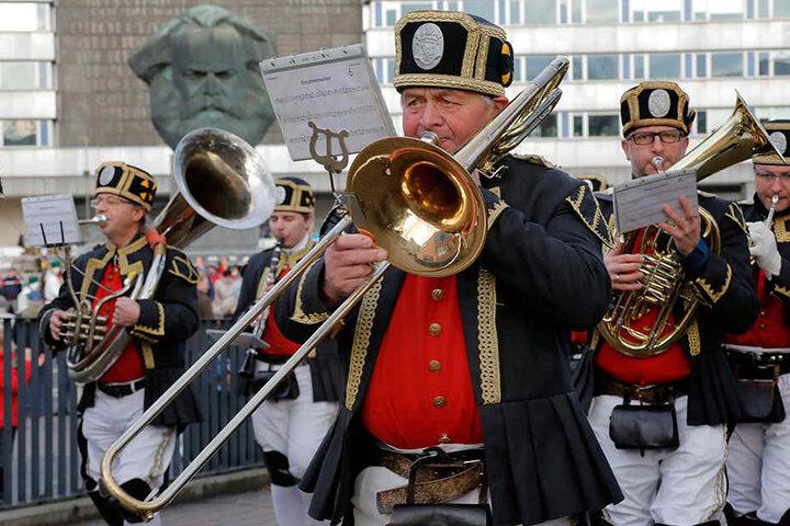 Um 14 Uhr startete die Parade am Samstag.