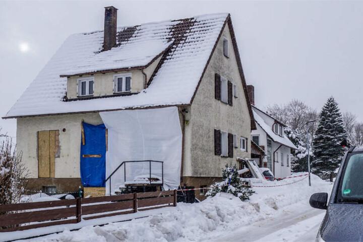 In diesem Haus in Hardt geschah die Bluttat. (Archivbild)