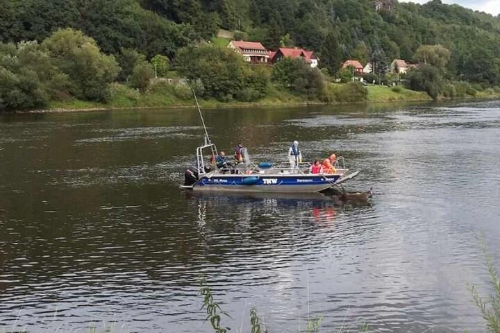 Mit einem Mehrzweck-Arbeitsboot schwärmte das THW aus.