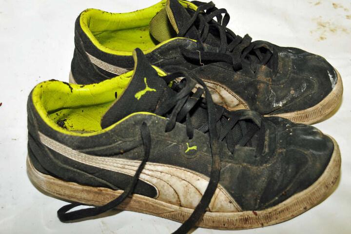 Die Schuhe des Verstorbenen waren Produkte der Marke Puma.