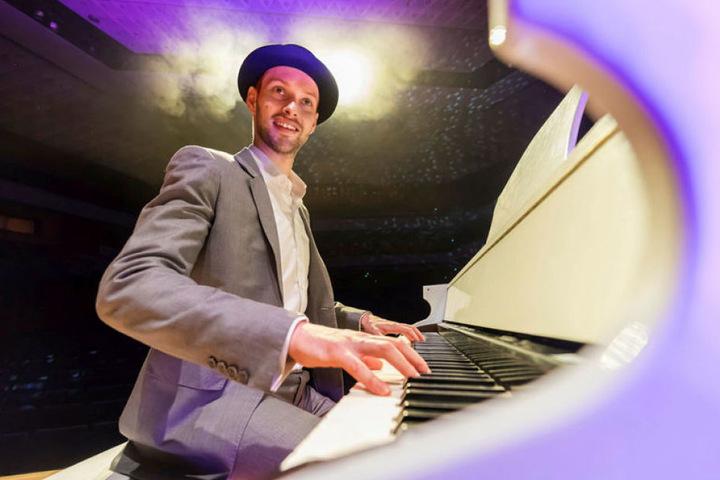 Martin Schmitt (31) ehrt Udo Jürgens mit einer großen Gala in der Chemnitzer Stadthalle.