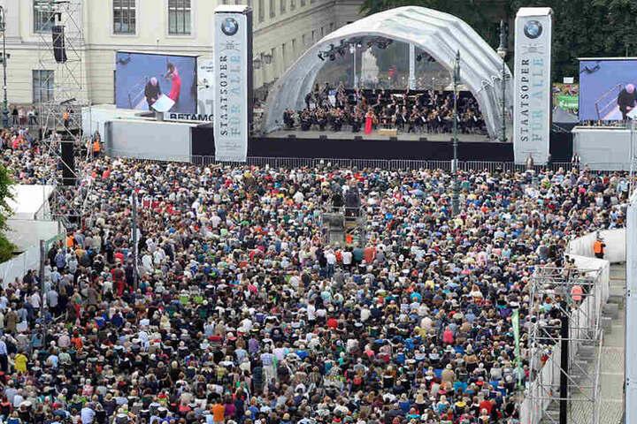 Auch in diesem Jahr werden tausende Besucher erwartet. Wer nicht kommen kann, hat die Möglichkeit das Konzert auf arte oder im Internet live zu sehen.
