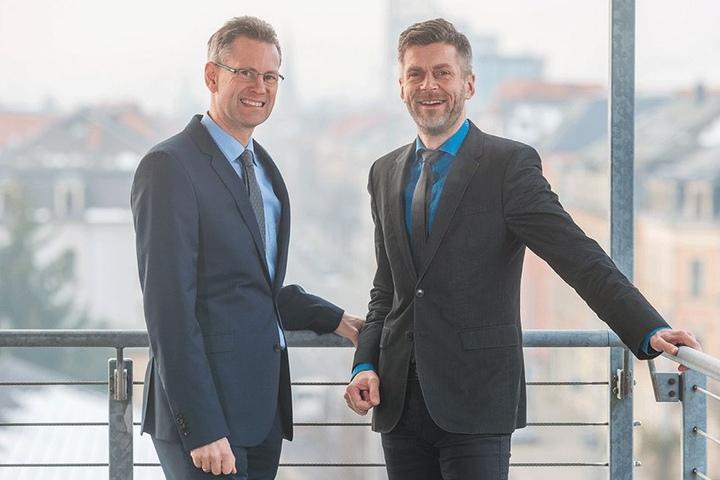 Steuern in eine digitale Zukunft: die DVB-Bosse Andreas Hemmersbach (49, l.) und Lars Seiffert (48).