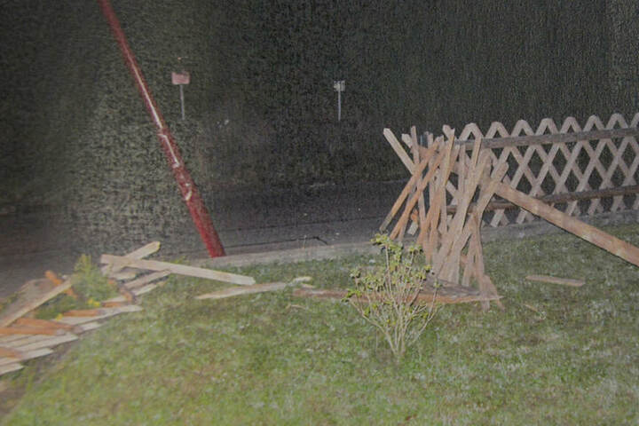 So zertrümmert fand die Polizei die Unfallstelle vor.