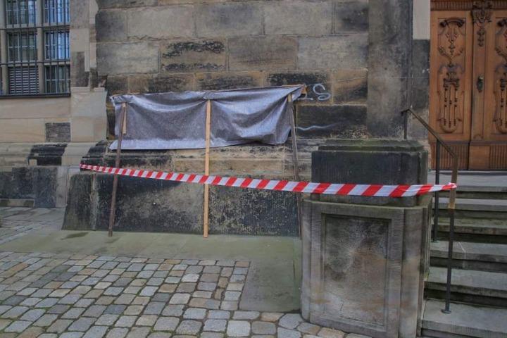 "Vandalen sprühten ""Bomber Harris was here"" an das berühmte Gebäude."
