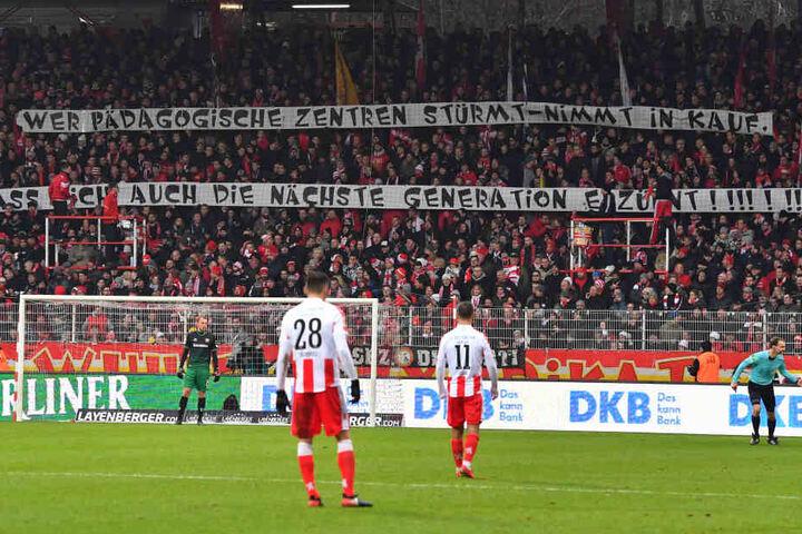 Auch die Union-Fans solidarisierten sich mit Dynamo.