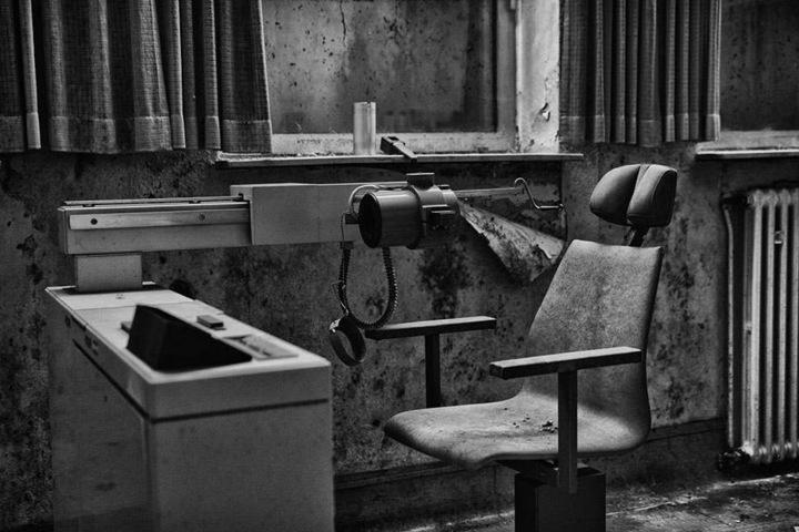 Der Stuhl wartet auf seinen nächsten Patienten.