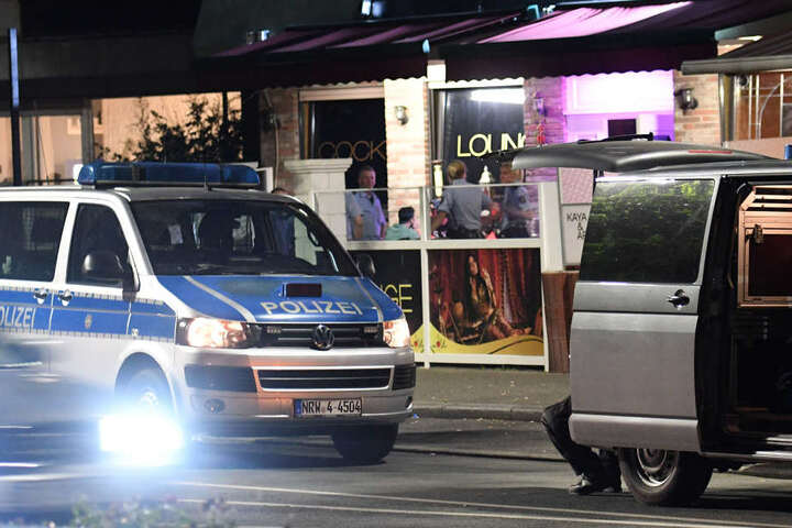 Polizeieinsatz bei einer Shisha-Bar in Gelsenkirchen.