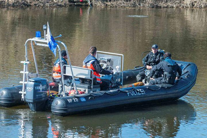 Seit Tagen suchte die Polizei mit Tauchern und Spürhunden im Wasser nach dem Vermissten.