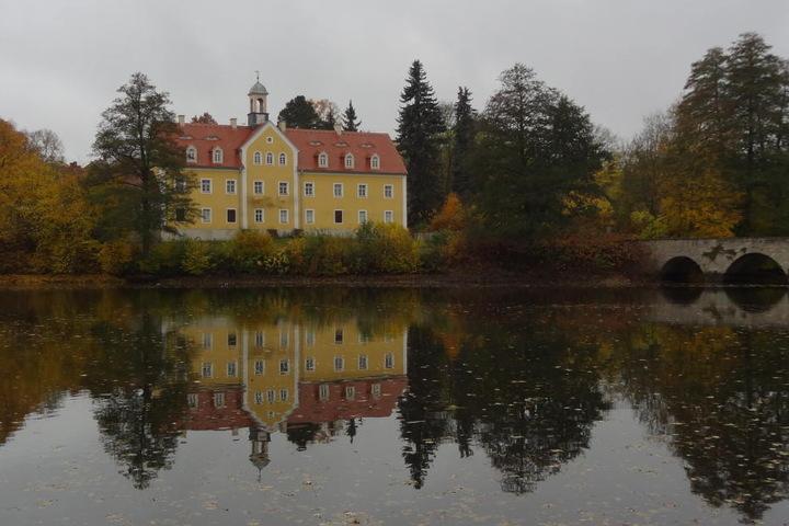 Seit letztem Jahr sucht der Freistaat einen Käufer für das Jagdschloss  Grillenburg im Tharandter Wald.