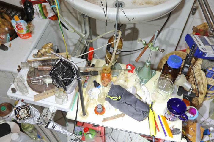 Die Beamten entdeckten die Drogenküche in einer Wohnung auf dem Kaßberg.