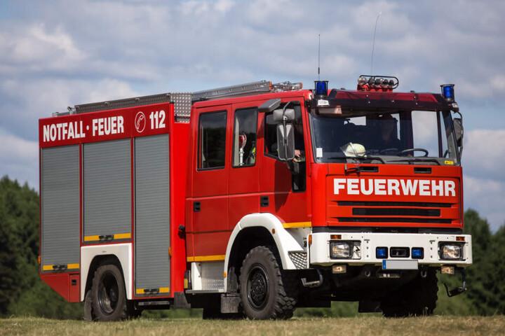 Die Feuerwehr Hamburg rückte wegen eines Notrufs aus.