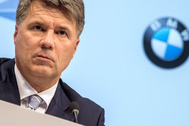 BMW-Chef Harald Krüger hat eine klare Meinung zu den geforderten Nachrüstungen. (Archivbild)