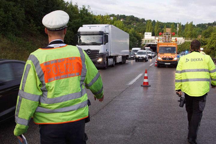 Der Verkehr wurde am Morgen über den Standstreifen an der Unfallstelle vorbei geleitet.
