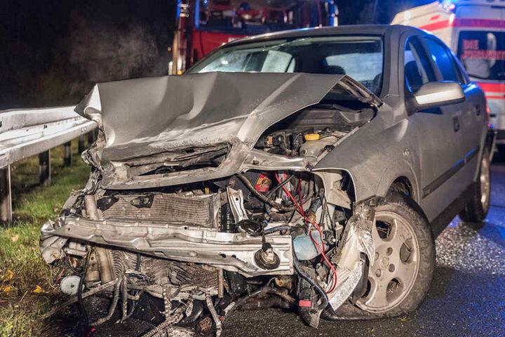 Am Opel entstand Totalschaden.